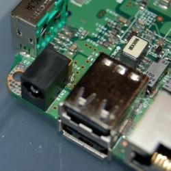 Reparación de conector de alimentación de un ordenador portátil