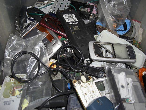 Por qué es necesario reciclar el móvil